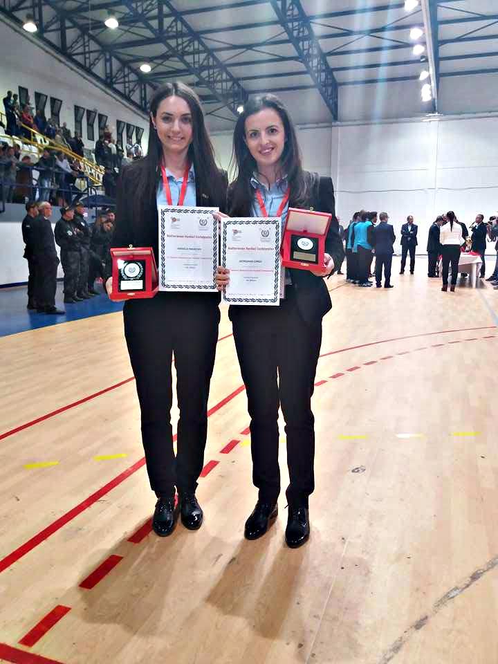 Mihaela Paraschiv stanga si Georgiana Lungu dreapta