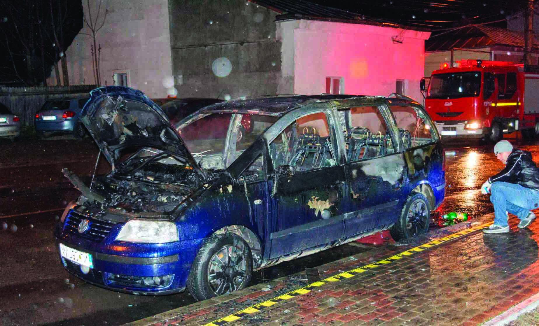 masina-incendiata-4836